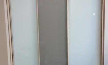 Шкаф-купе из стекла с Oracal «Модель 22»