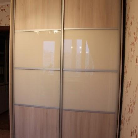 Шкаф-купе из стекла Лакобель «Модель 21»